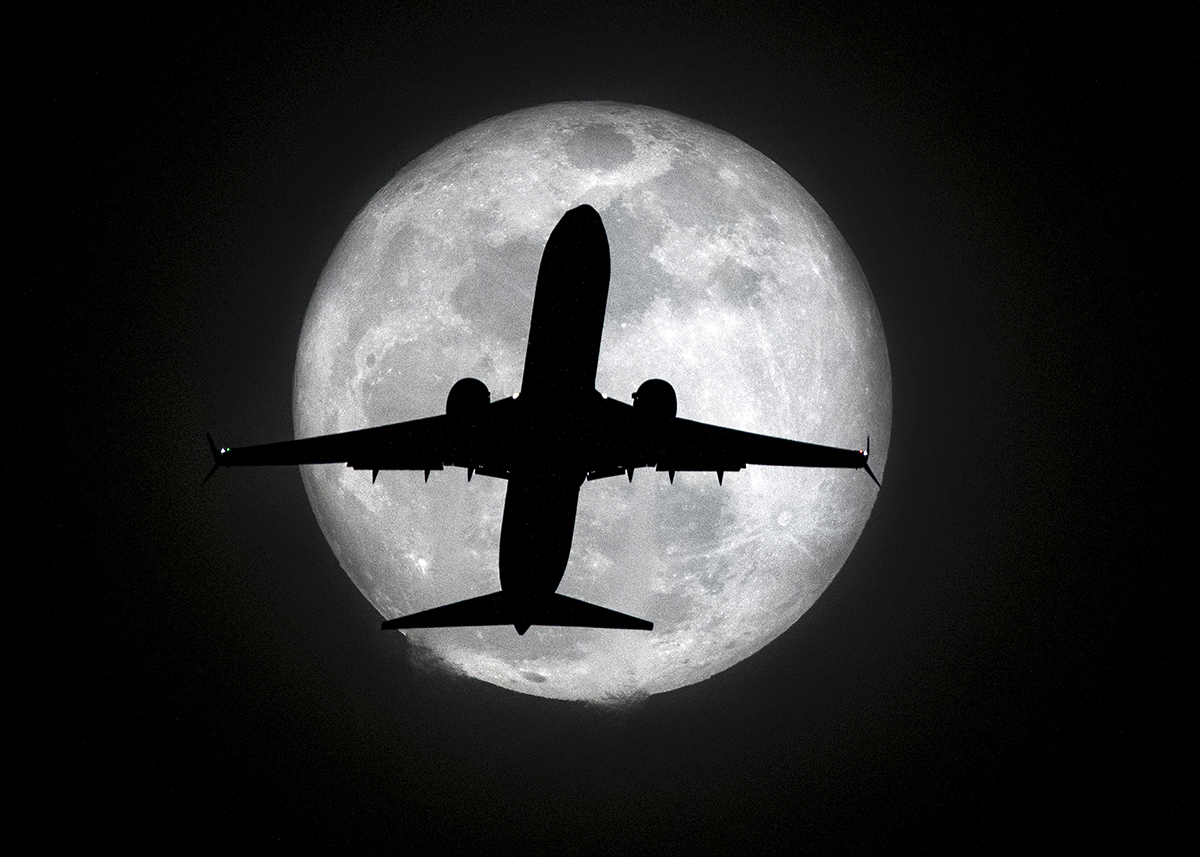Plane and Moon, Los Angeles